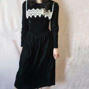 Gunne Sax velvet green dress